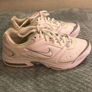 White Nike Max Air ( Walking Shoes)
